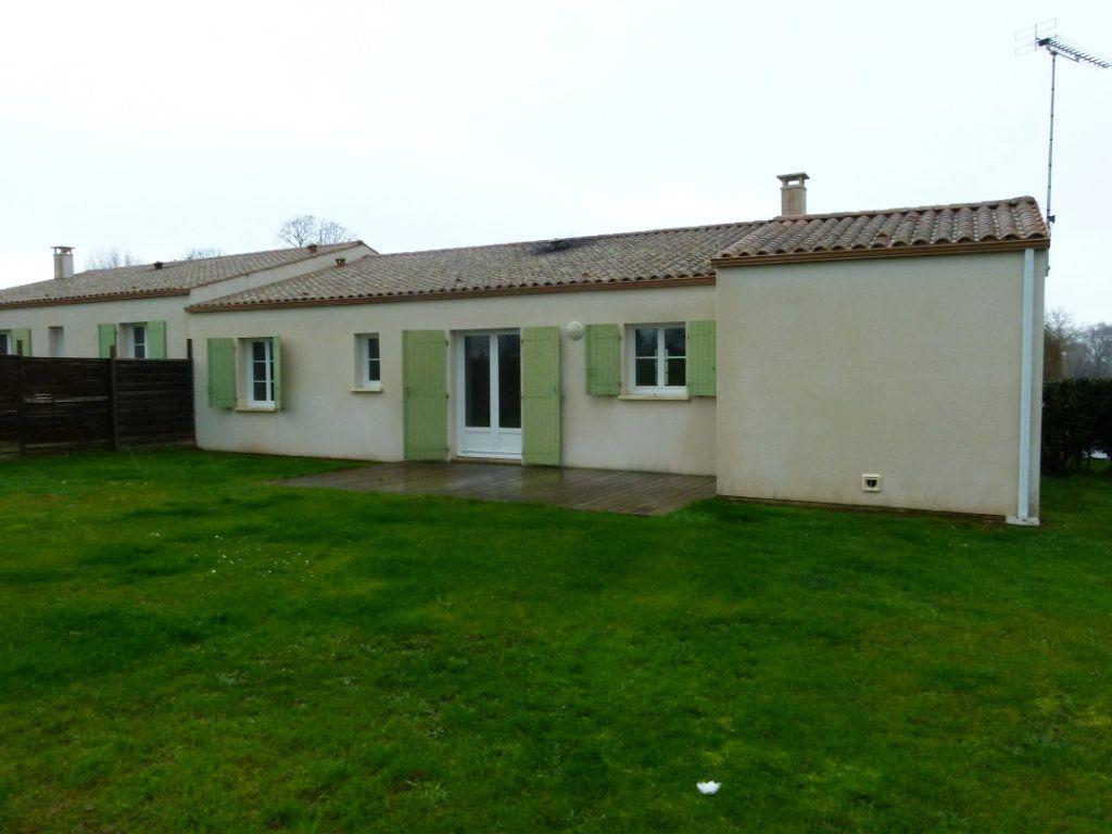 Maison à vendre 4 86.66m2 à Sainte-Gemme vignette-1