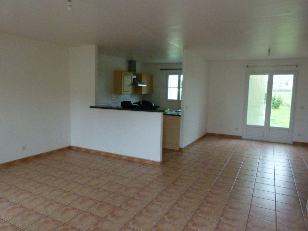 Maison à vendre 4 86.66m2 à Sainte-Gemme vignette-4