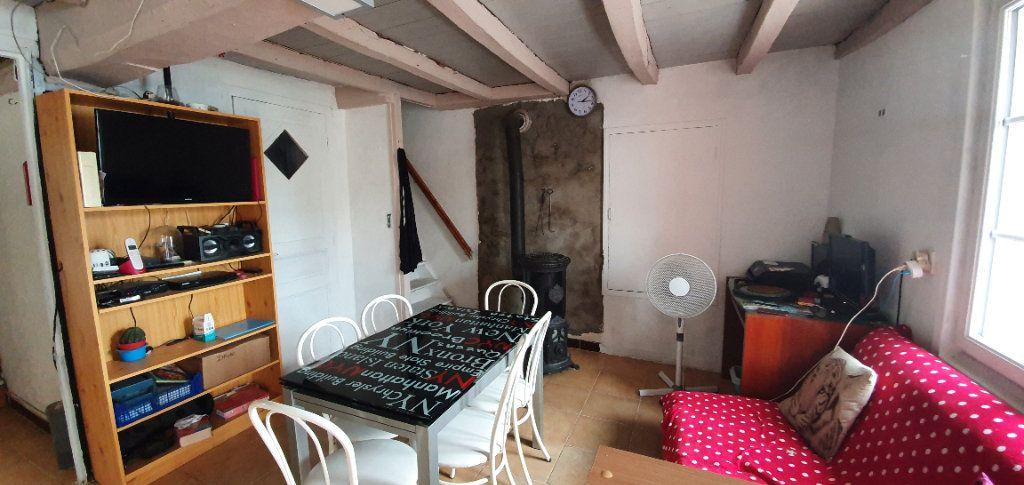 Maison à vendre 4 54m2 à Saint-Romain-de-Benet vignette-2