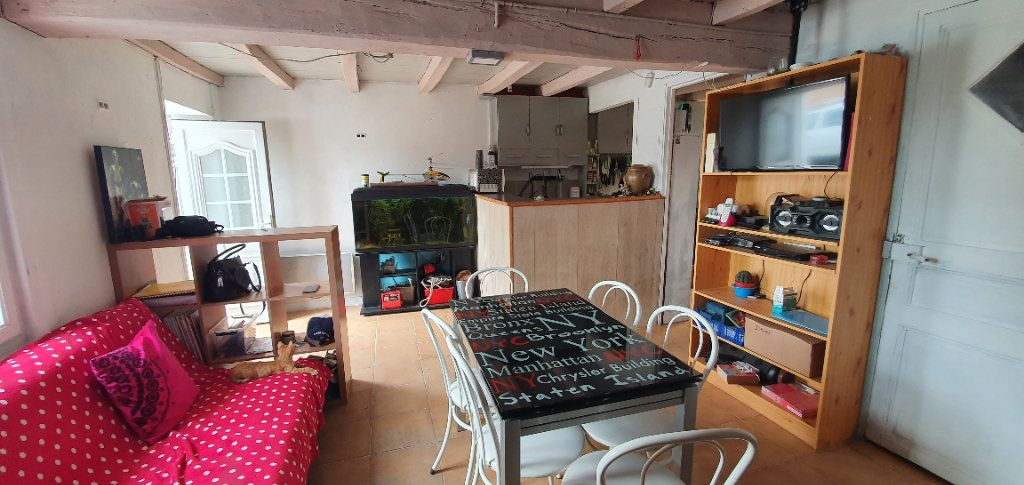 Maison à vendre 4 54m2 à Saint-Romain-de-Benet vignette-3