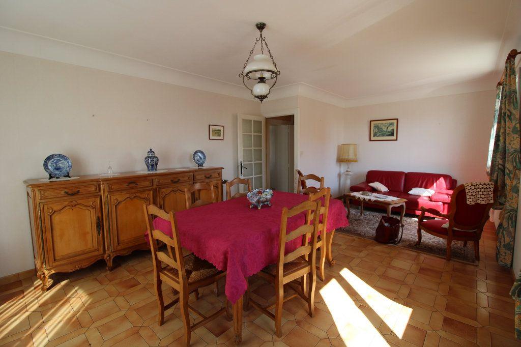 Maison à vendre 6 139.08m2 à Corme-Royal vignette-2