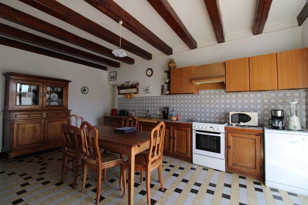 Maison à vendre 6 139.08m2 à Corme-Royal vignette-4
