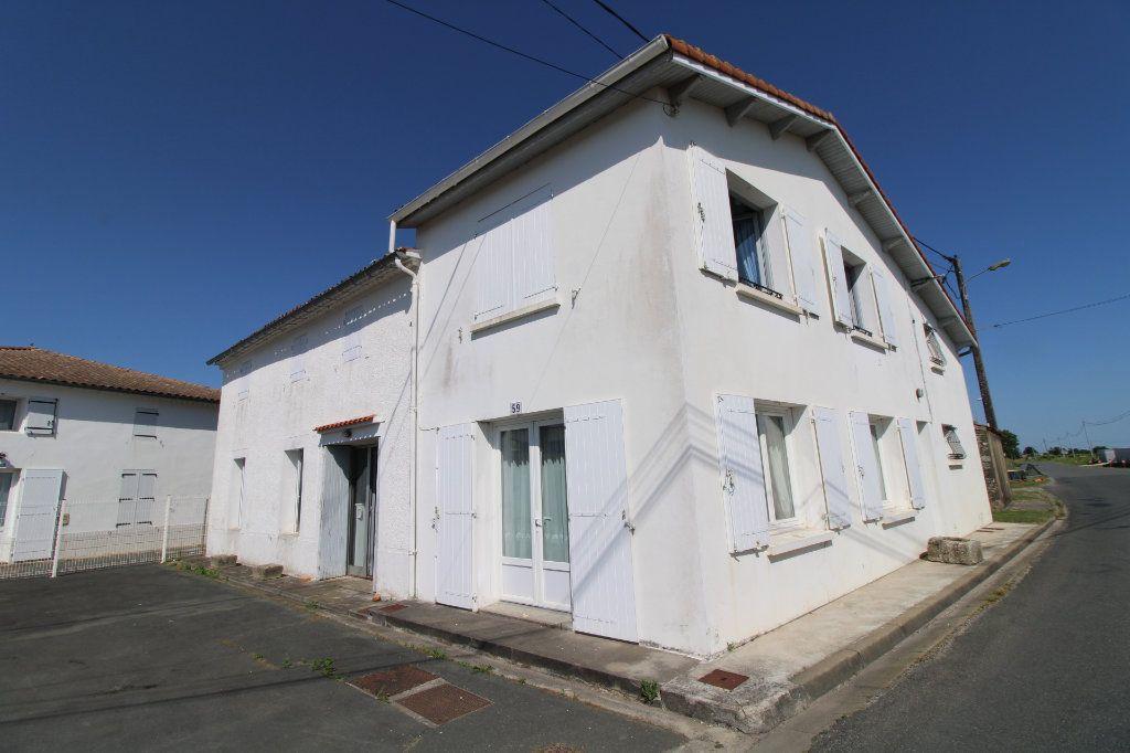 Maison à vendre 6 139.08m2 à Corme-Royal vignette-11
