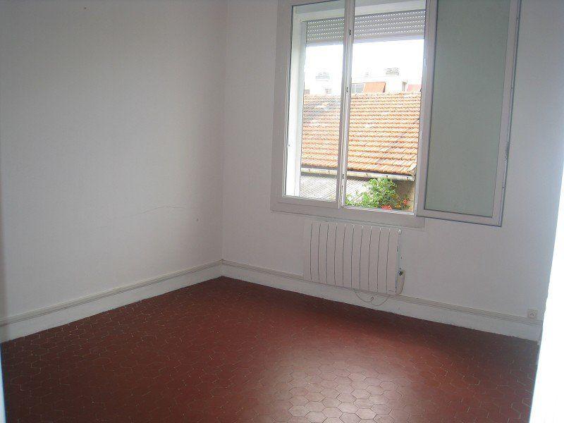 Appartement à louer 2 50m2 à Marseille 13 vignette-1