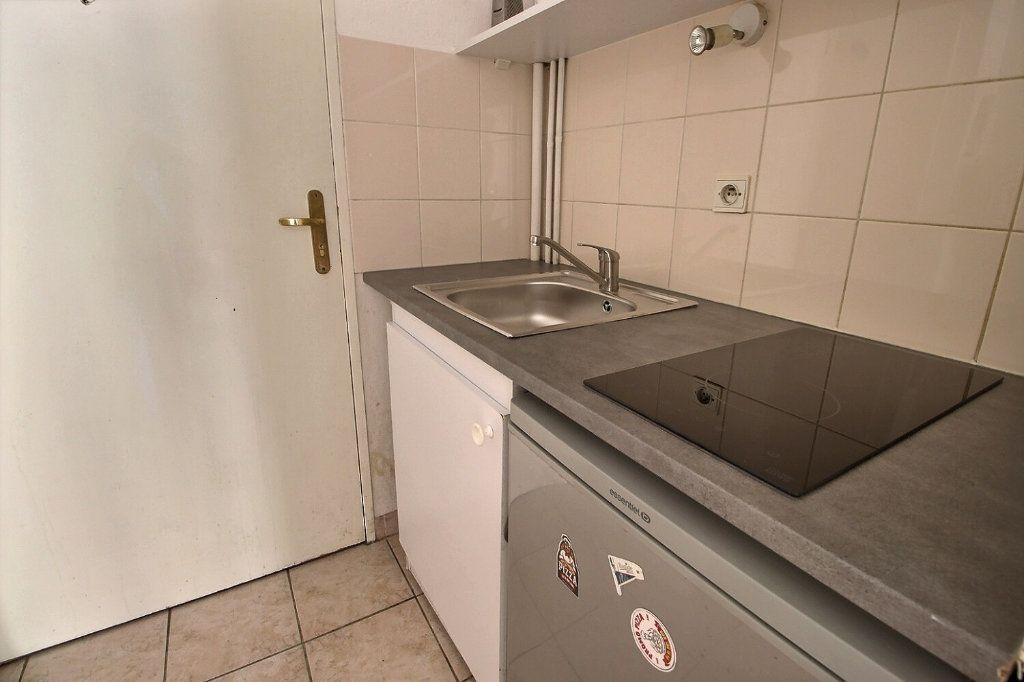 Appartement à louer 1 19m2 à Marseille 10 vignette-3