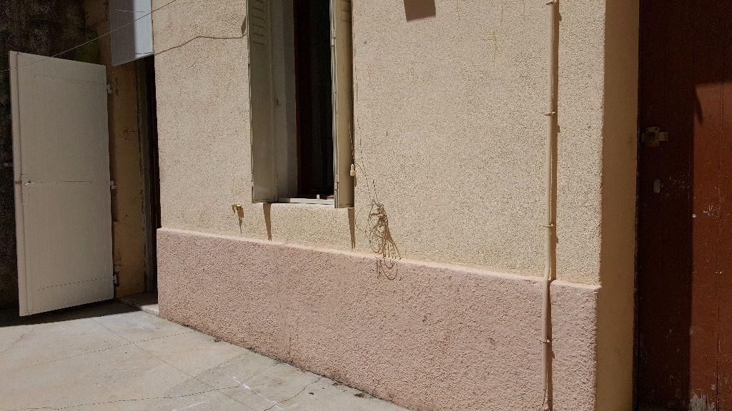 Appartement à louer 1 30m2 à Marseille 8 vignette-4