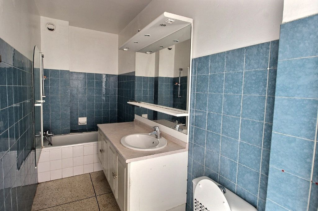 Appartement à louer 1 30m2 à Marseille 10 vignette-3