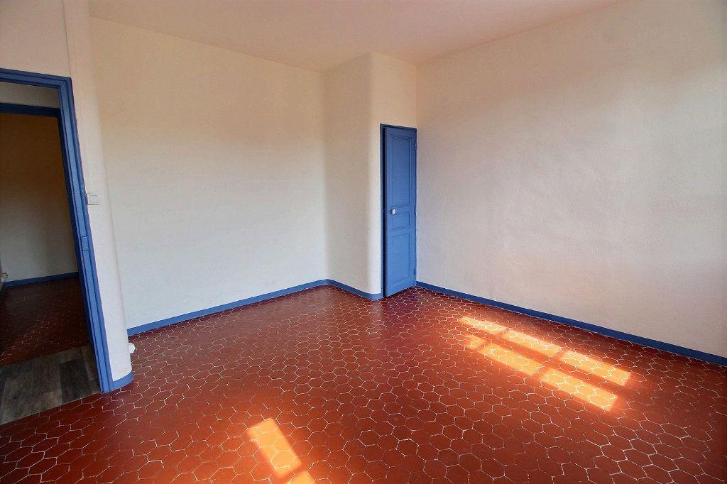 Appartement à louer 2 0m2 à Marseille 5 vignette-2