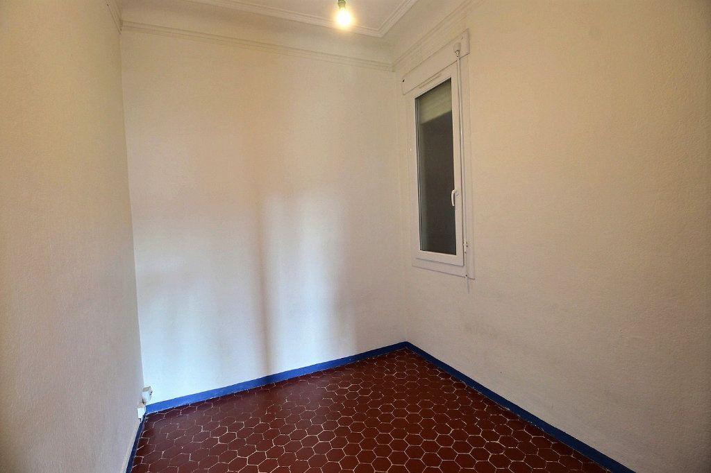 Appartement à louer 2 0m2 à Marseille 5 vignette-3