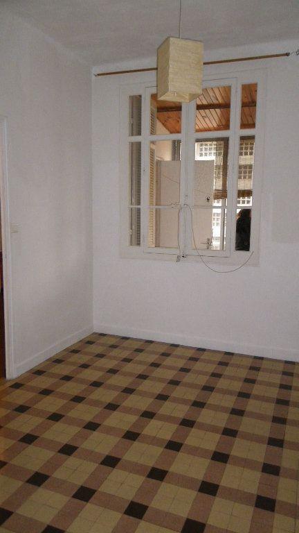 Appartement à louer 3 0m2 à Marseille 5 vignette-3