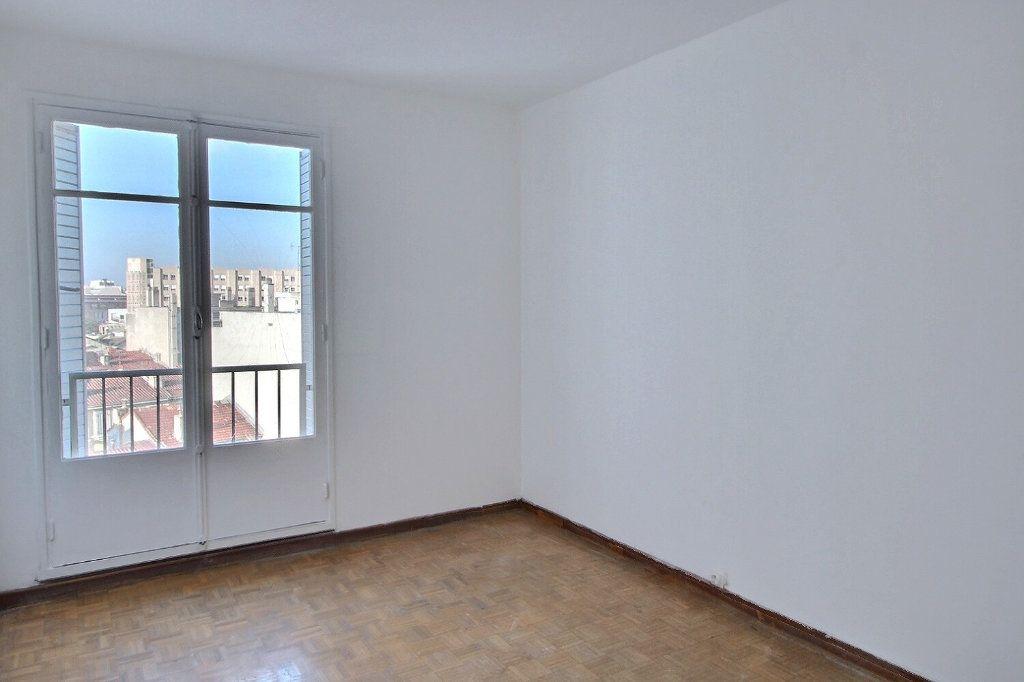 Appartement à louer 2 46m2 à Marseille 5 vignette-4