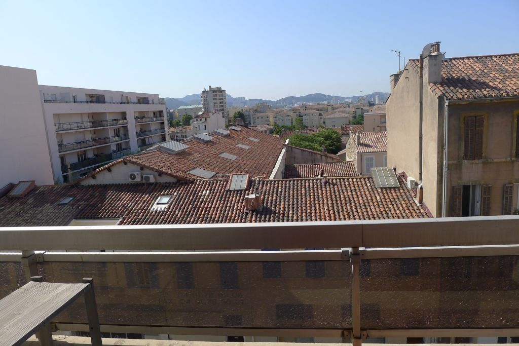 Appartement à louer 1 25m2 à Marseille 5 vignette-1