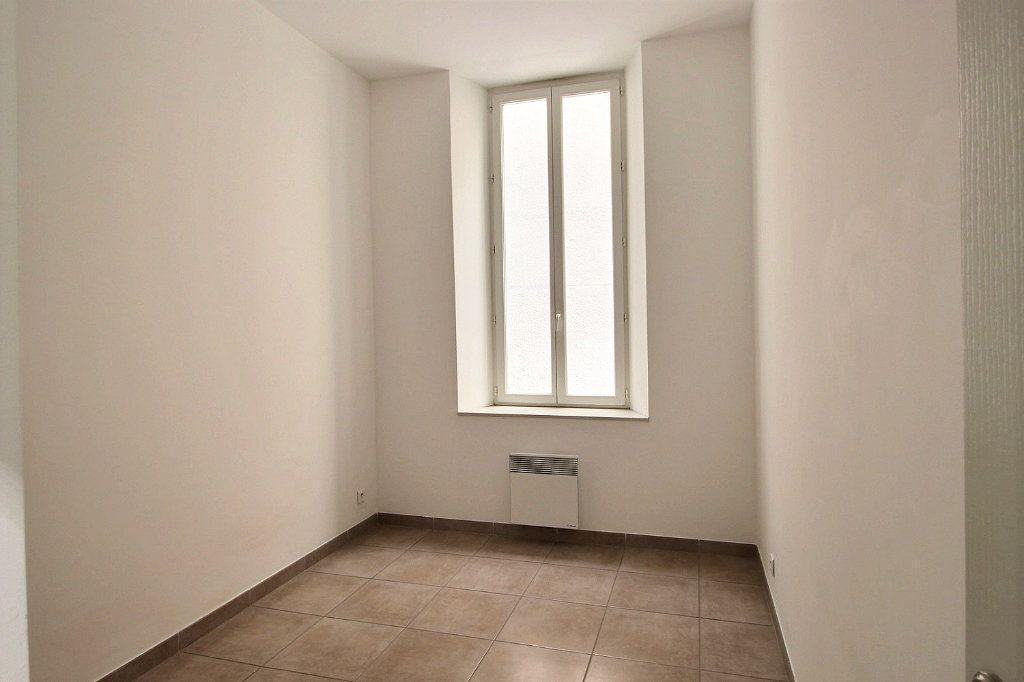 Appartement à louer 3 55m2 à Marseille 13 vignette-3