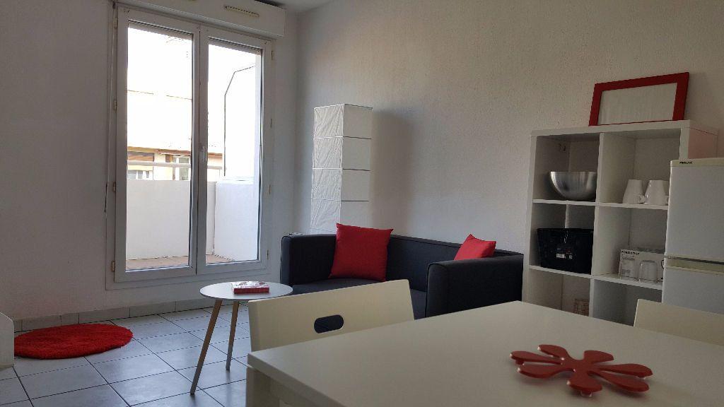 Appartement à louer 2 32m2 à Marseille 5 vignette-4