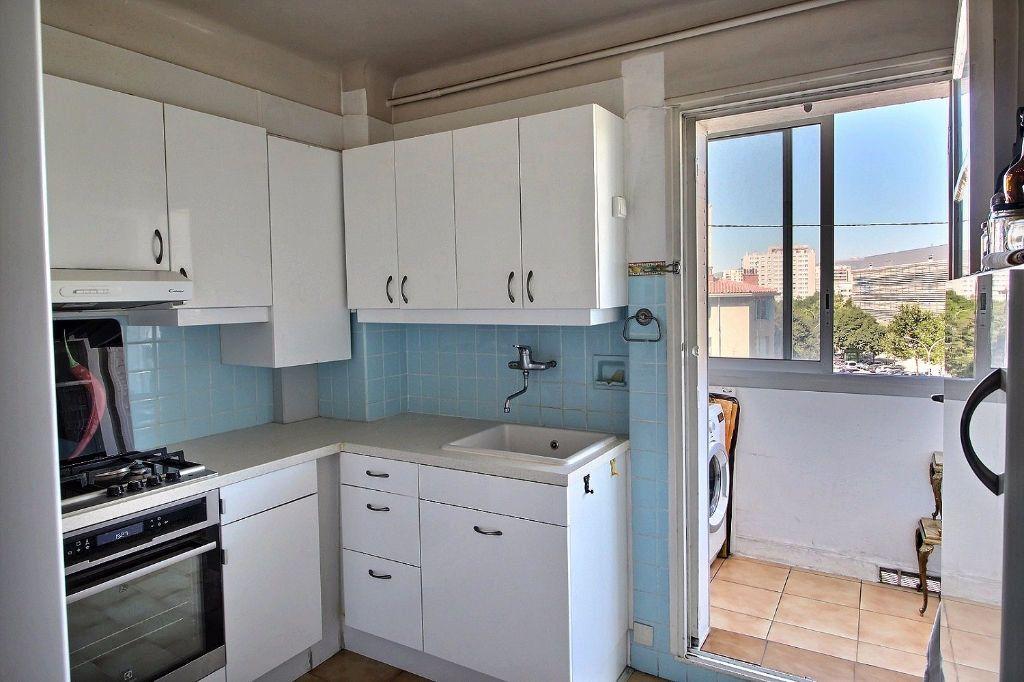 Appartement à louer 4 64m2 à Marseille 5 vignette-2