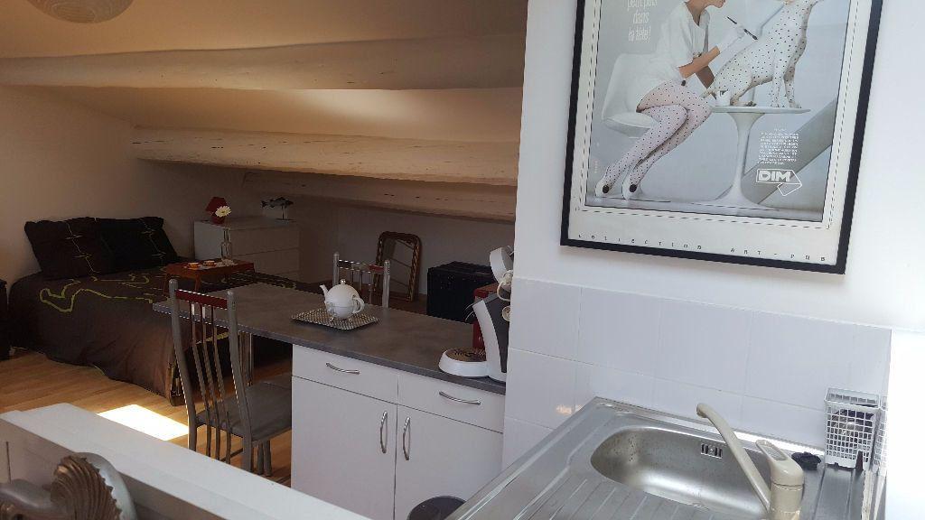 Appartement à louer 1 34m2 à Marseille 5 vignette-3