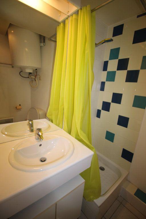 Appartement à louer 1 20m2 à Marseille 5 vignette-3