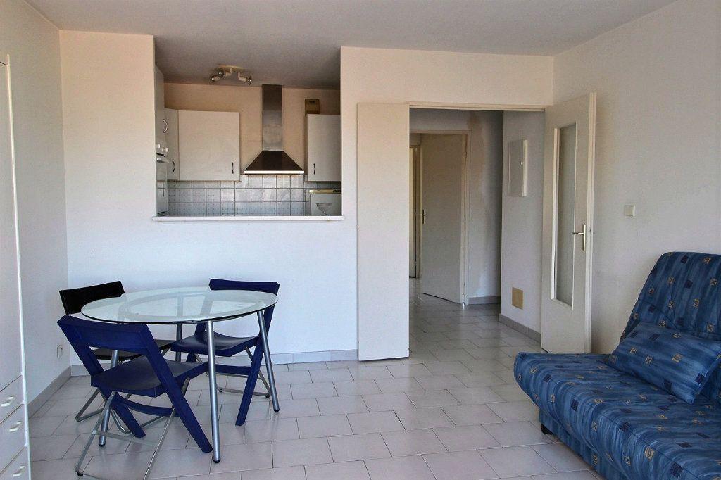 Appartement à louer 2 47m2 à Marseille 5 vignette-3