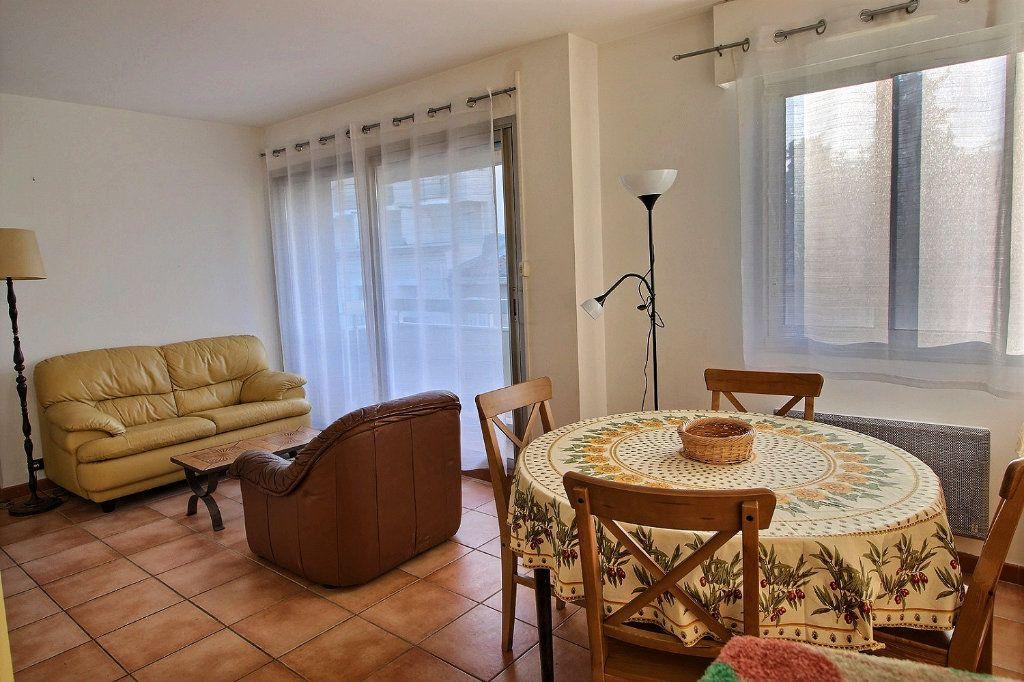 Appartement à louer 2 39m2 à Marseille 5 vignette-2