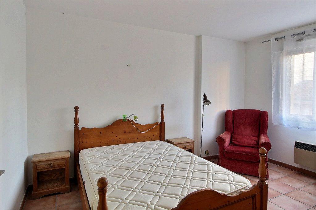 Appartement à louer 2 39m2 à Marseille 5 vignette-3