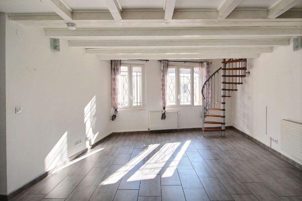 Appartement à louer 3 74m2 à Marseille 10 vignette-1