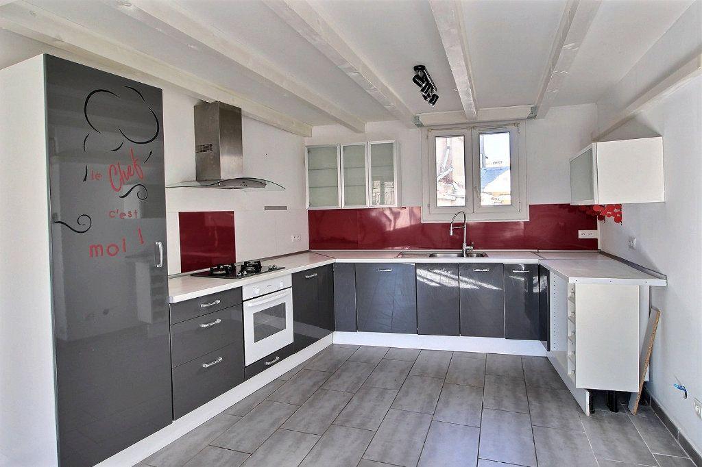 Appartement à louer 3 74m2 à Marseille 10 vignette-2
