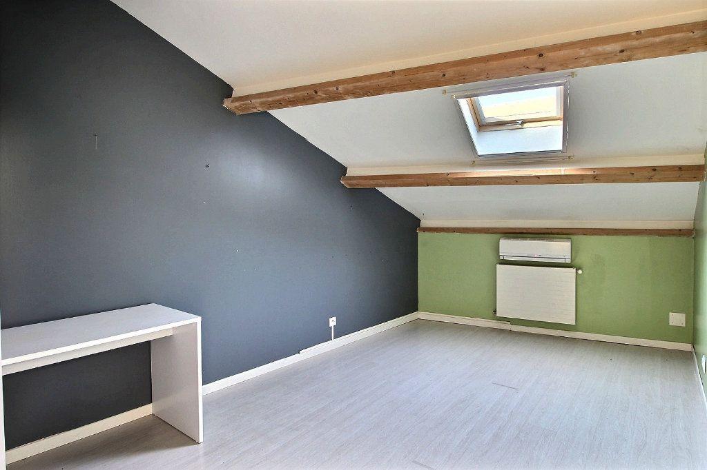 Appartement à louer 3 74m2 à Marseille 10 vignette-3