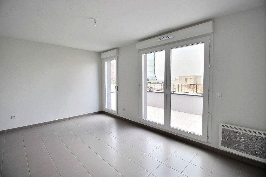 Appartement à louer 2 41m2 à Marseille 15 vignette-3