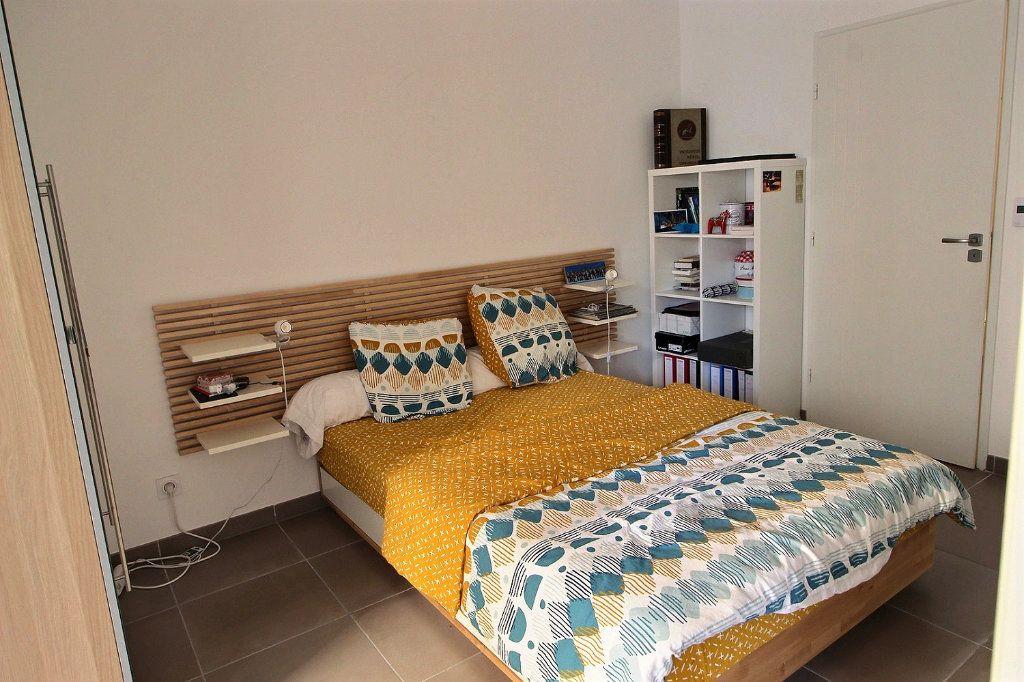 Appartement à vendre 2 37m2 à Marseille 5 vignette-4