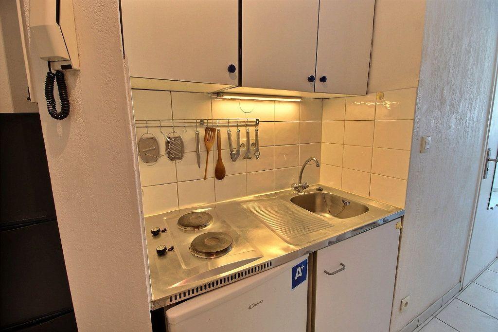 Appartement à louer 1 18.22m2 à Marseille 5 vignette-2