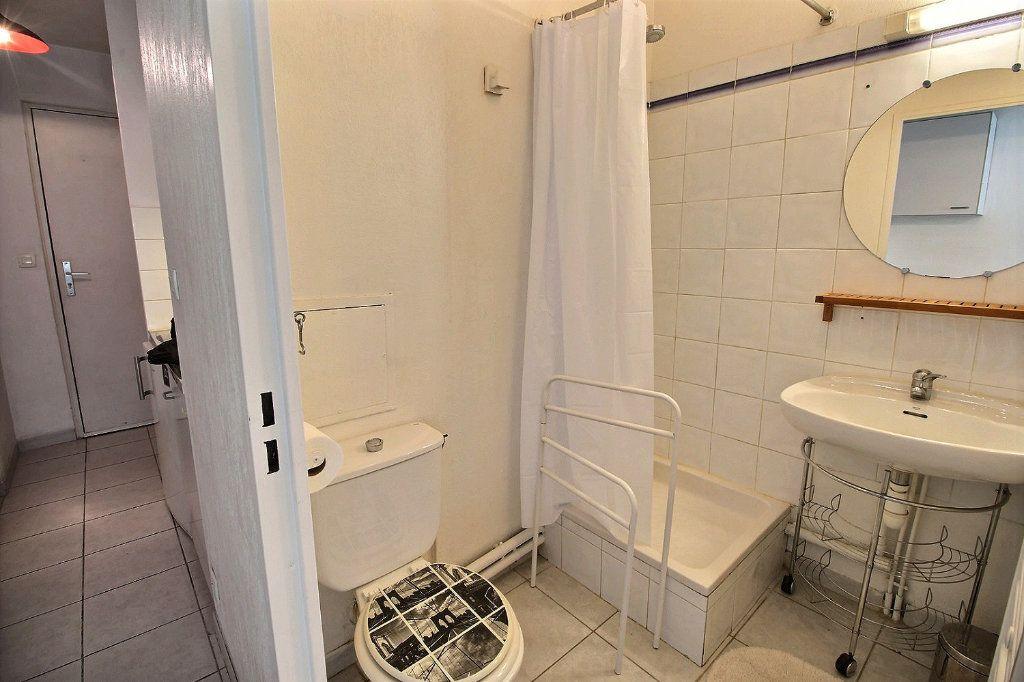 Appartement à louer 1 18.22m2 à Marseille 5 vignette-3