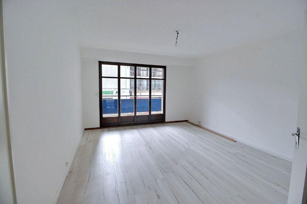 Appartement à louer 2 55m2 à Marseille 5 vignette-1