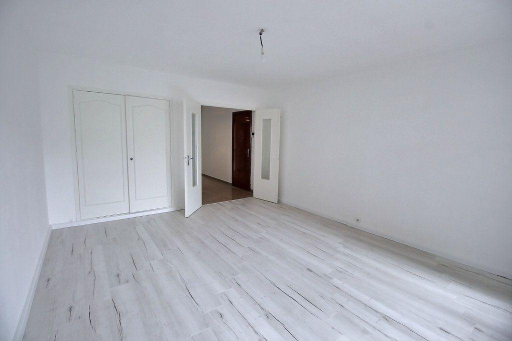 Appartement à louer 2 55m2 à Marseille 5 vignette-2