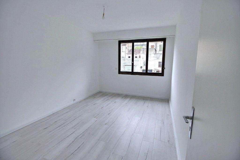 Appartement à louer 2 55m2 à Marseille 5 vignette-3