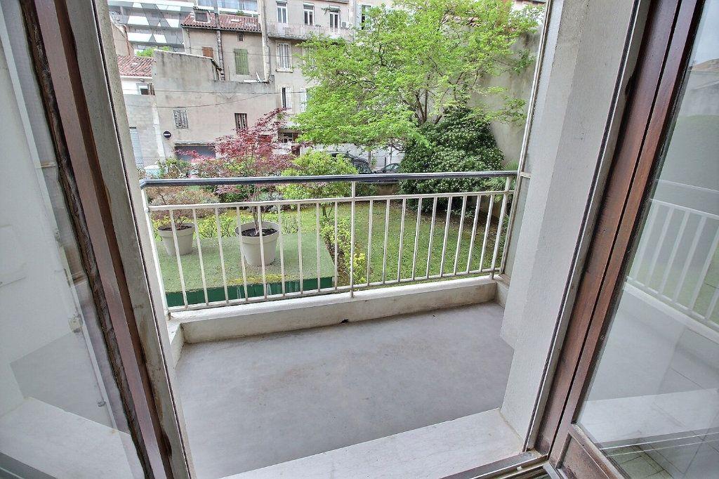 Appartement à louer 2 55m2 à Marseille 5 vignette-7