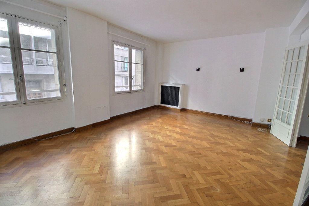 Appartement à vendre 3 70.6m2 à Marseille 5 vignette-3
