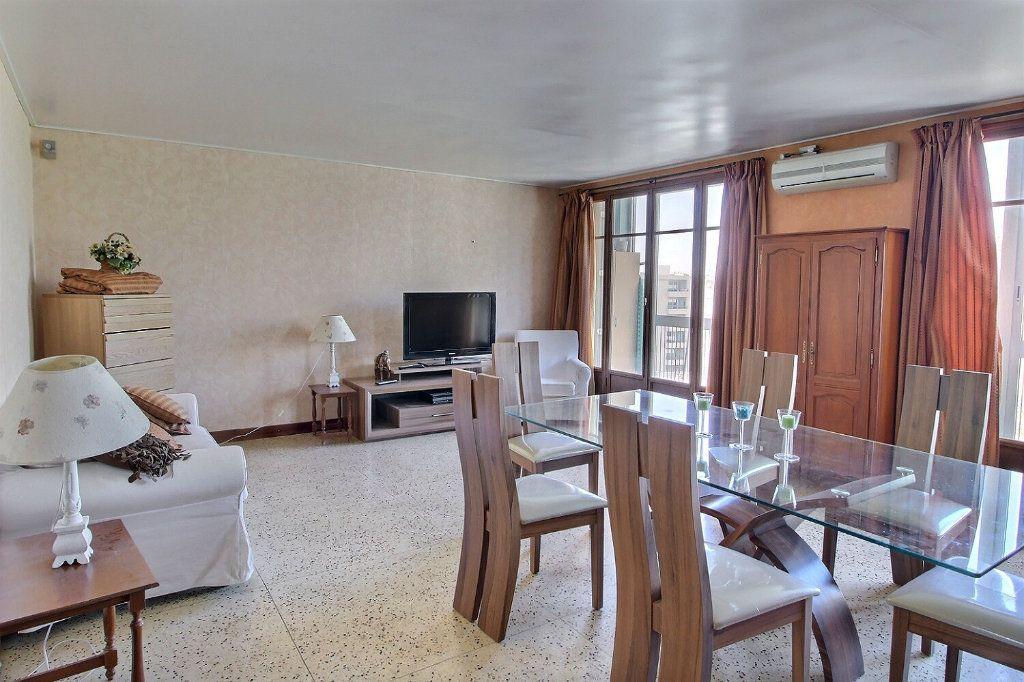Appartement à louer 3 68m2 à Marseille 10 vignette-1