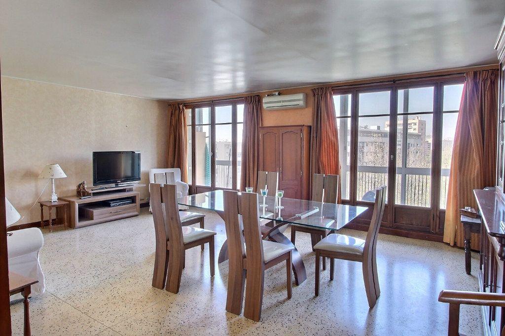 Appartement à louer 3 68m2 à Marseille 10 vignette-2