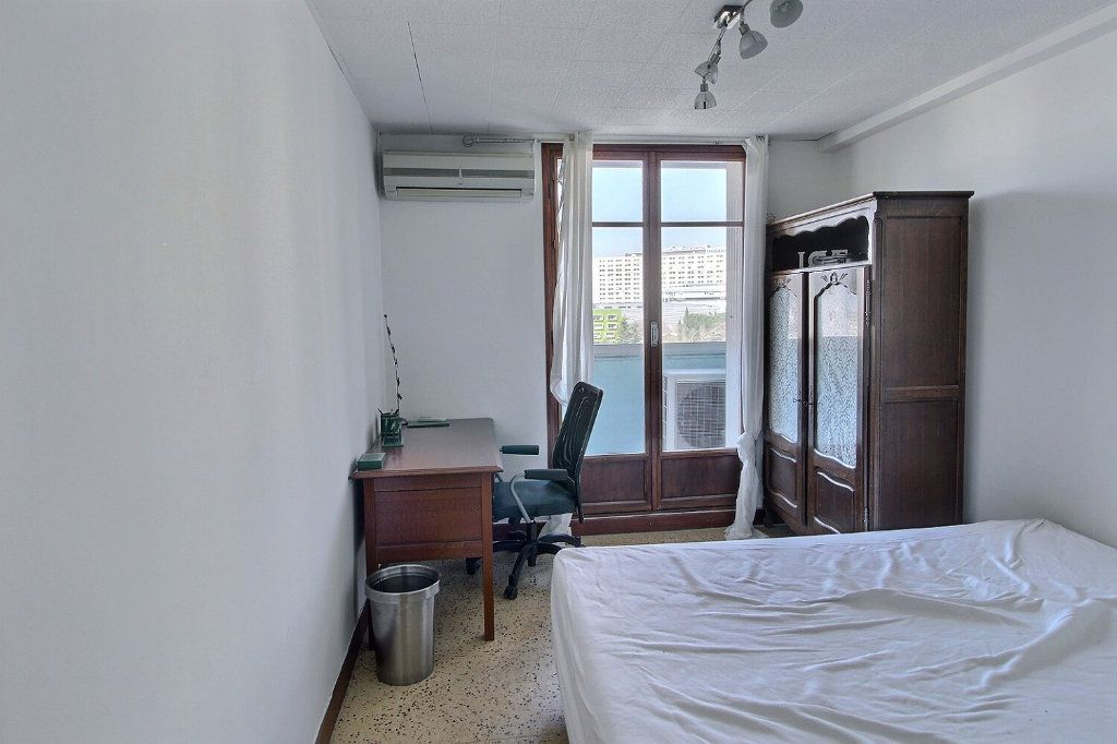 Appartement à louer 3 68m2 à Marseille 10 vignette-4