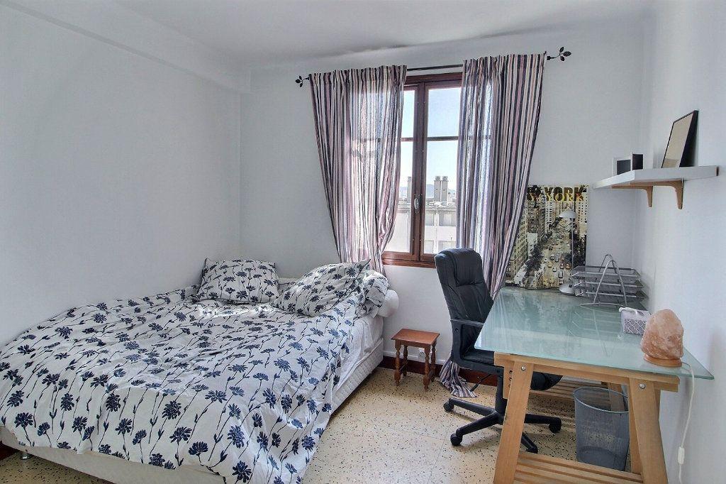 Appartement à louer 3 68m2 à Marseille 10 vignette-5