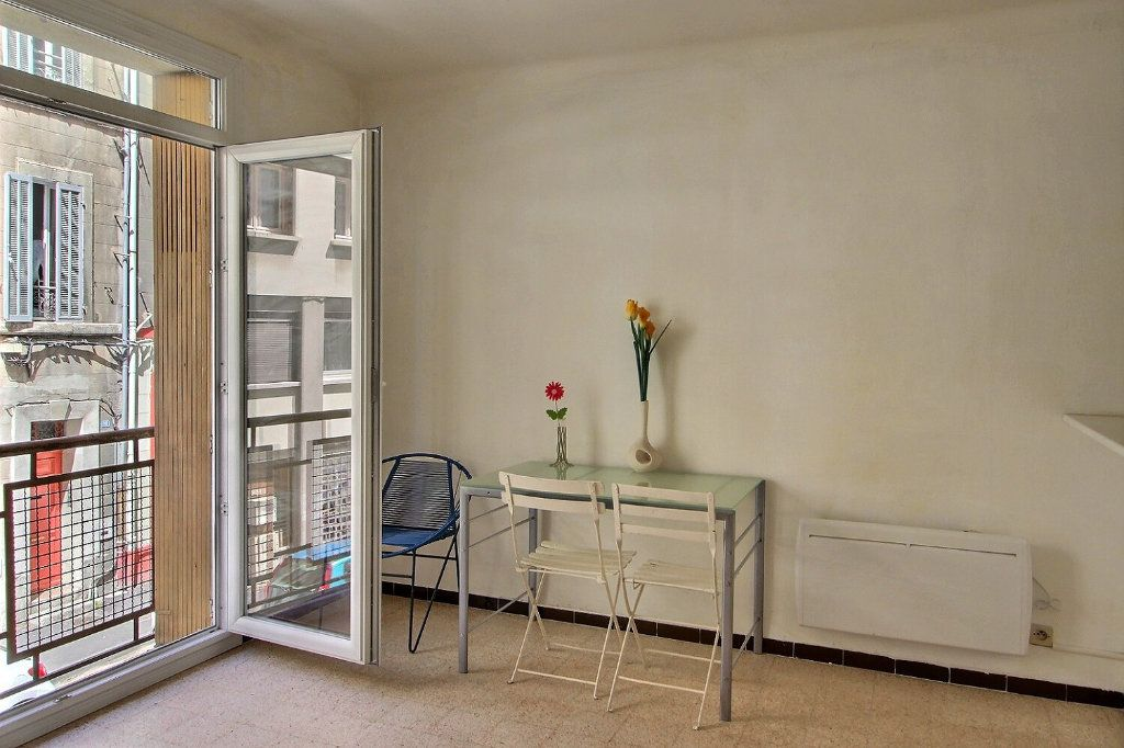 Appartement à louer 1 28m2 à Marseille 5 vignette-5