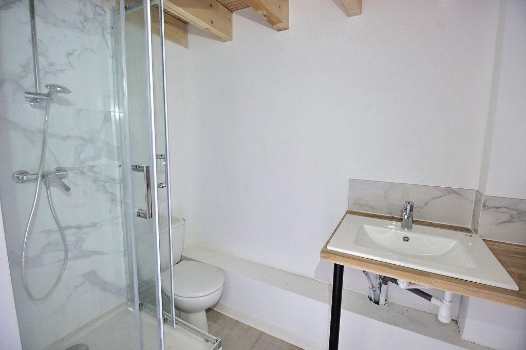 Appartement à louer 3 50m2 à Marseille 5 vignette-5