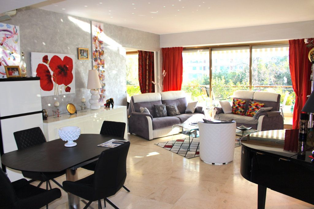 Appartement à vendre 4 103.92m2 à Cannes vignette-1