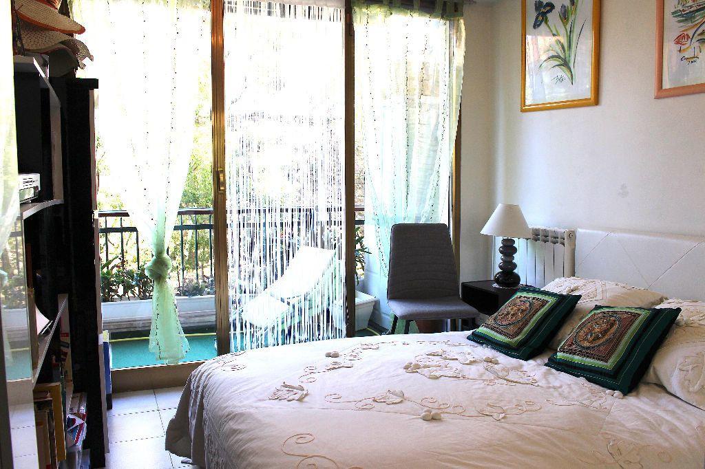 Appartement à vendre 4 103.92m2 à Cannes vignette-7