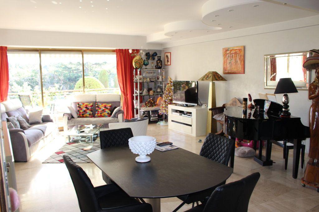 Appartement à vendre 4 103.92m2 à Cannes vignette-8