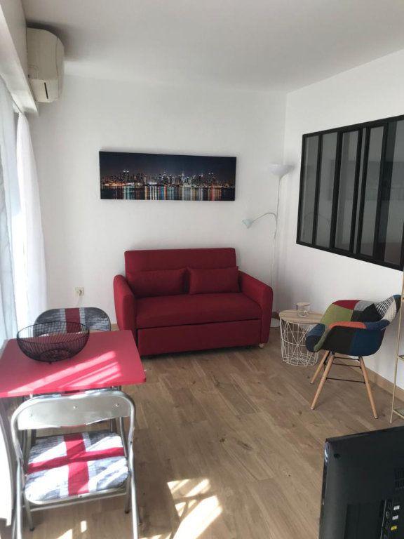 Appartement à louer 2 30m2 à Cannes vignette-1