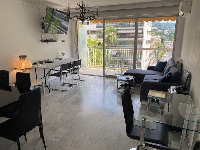 Appartement à vendre 3 82.2m2 à Cannes vignette-2