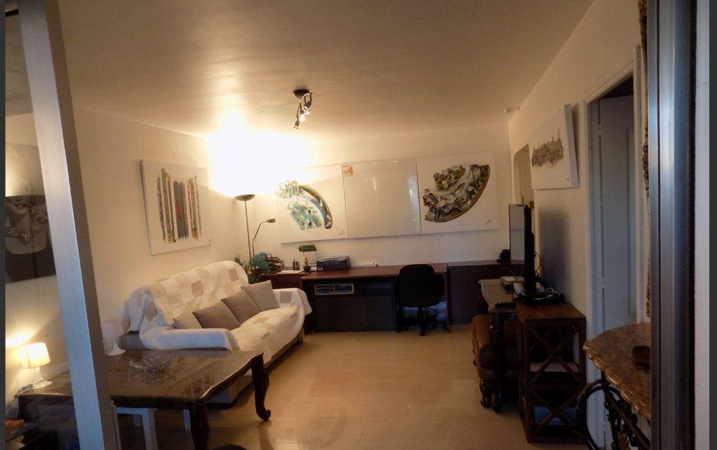 Appartement à vendre 2 51.4m2 à Cannes vignette-3