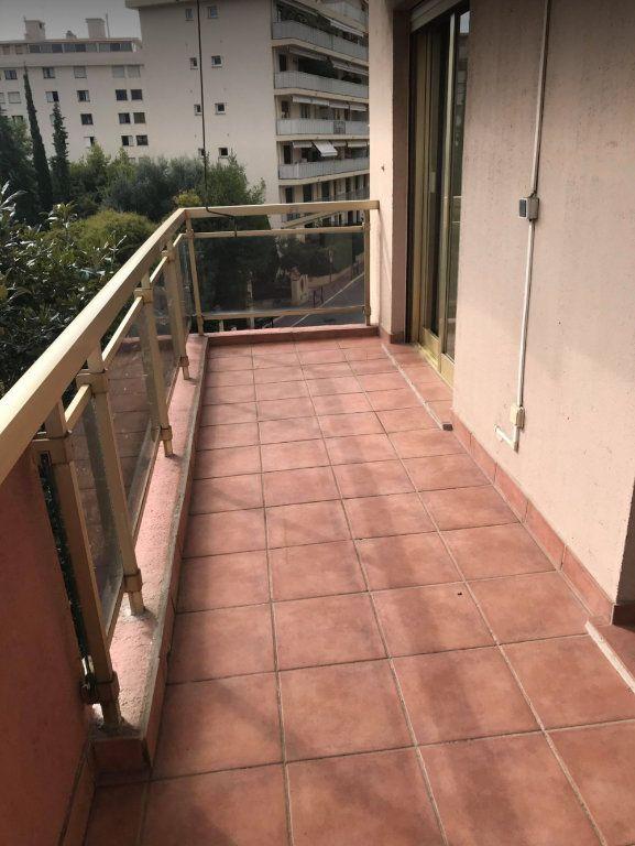 Appartement à vendre 2 59.3m2 à Cannes vignette-7