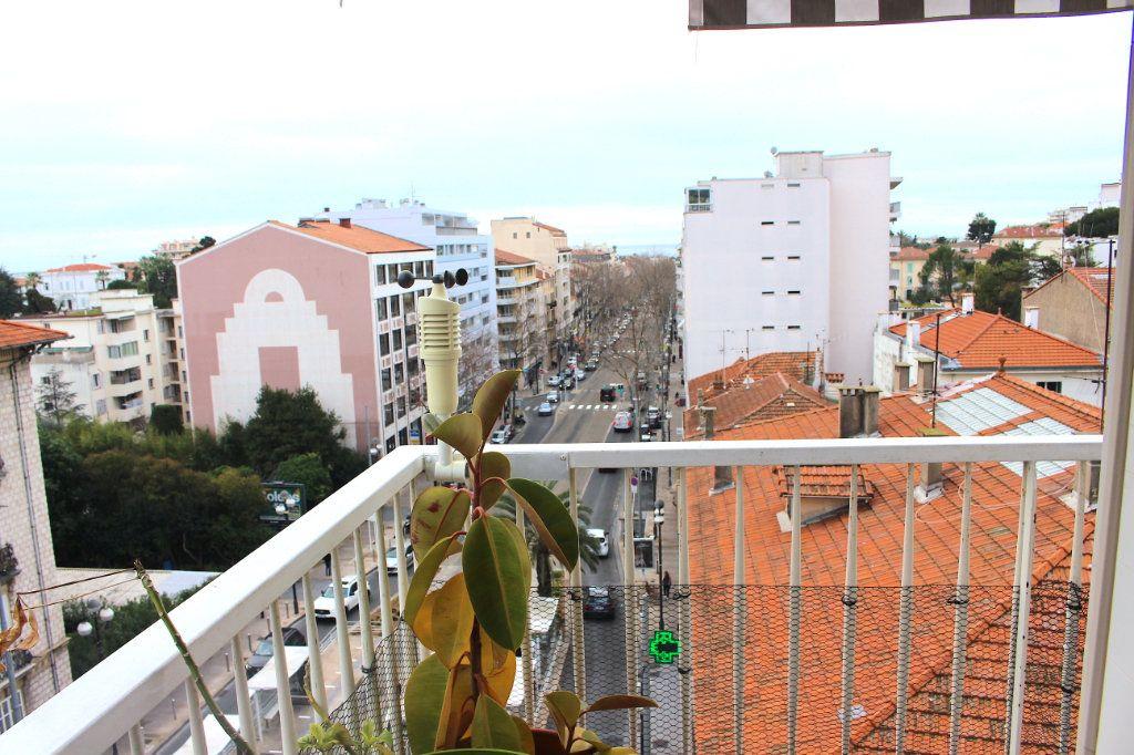 Appartement à vendre 3 71m2 à Cannes vignette-1
